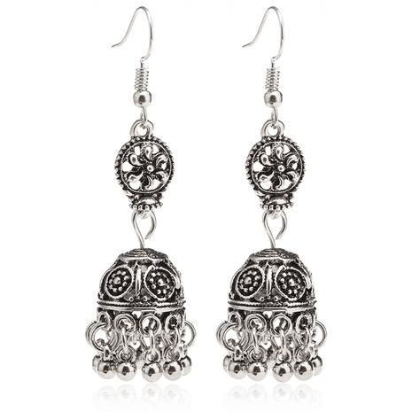 Venta caliente de moda retro estilo étnico barroco hueco tallado campana borla pendientes nihaojewelry al por mayor NHDP233410's discount tags