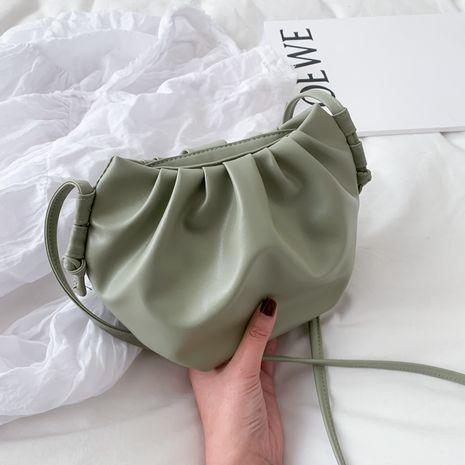 Printemps populaire nouvelle vague coréenne sauvage une épaule bandoulière mode nuage sac en gros nihaojewelry NHXC233906's discount tags