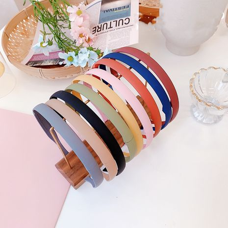 Korean girl color folding thin-edged headband simple plastic toothed non-slip headband candy-colored resin wholesale nihaojewelry NHSM233624's discount tags