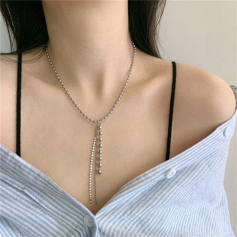 Rétro collier de perles rondes long gland chaîne de perles rondes chaîne de clavicule choker à la mode en gros nihaojewelry NHYQ233951's discount tags