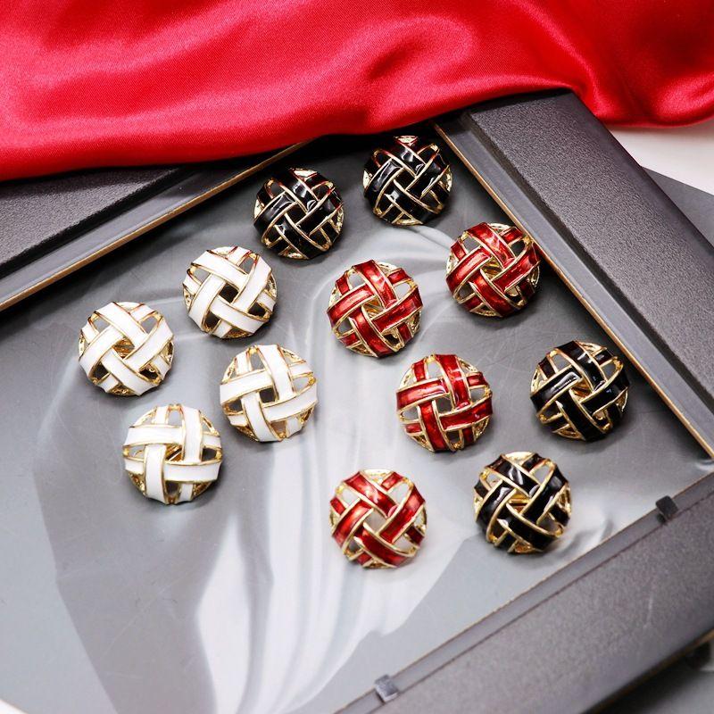 Round Hollow Staggered Ear Clip Silver Pin Ear Stud Drop Glaze Retro Earrings wholesale nihaojewelry NHOM234510