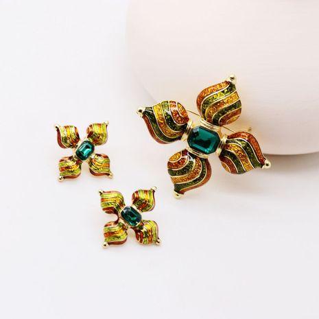 color goteo esmalte verde piedra preciosa 925 pendientes de plata pin exóticos verdes broches pendientes al por mayor nihaojewelry NHOM234530's discount tags