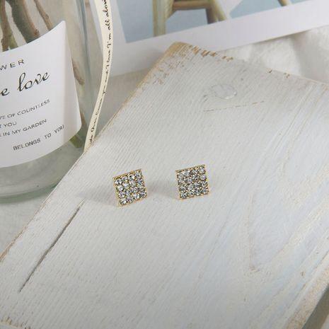 Nueva moda pendientes coreanos S925 pendientes de cristal de aguja de plata al por mayor nihaojewelry NHQS234573's discount tags