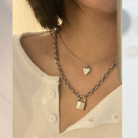 Korea retro accessories gadgets lock peach heart pendant necklace two-piece set wholesale nihaojewelry NHIM234586's discount tags