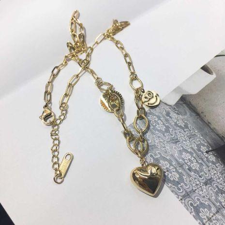 Acier au titane coréen non allergique tridimensionnel amour smiley pendentif chaîne de clavicule en gros nihaojewelry NHIM234646's discount tags