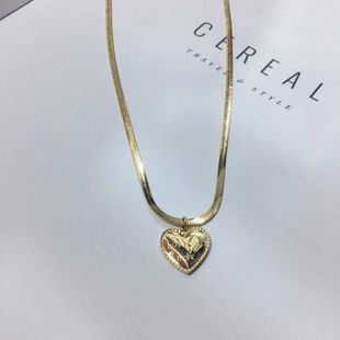 sweet love necklace titanium steel plated 18k gold clavicle snake chain simple and stylish wholesale nihaojewelry NHIM234653's discount tags