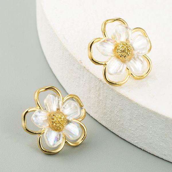 S925 silver needle simple small hollow shell flower earrings ear jewelry wholesale nihaojewelry NHLN234659