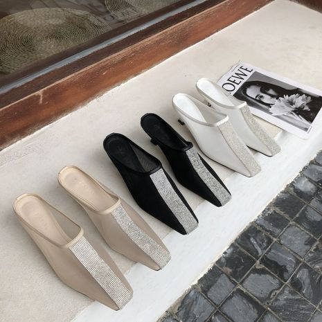 Coréenne nouvelle tête carrée de mode avec des sandales à talons fins strass en gros nihaojewelry NHHU234920's discount tags