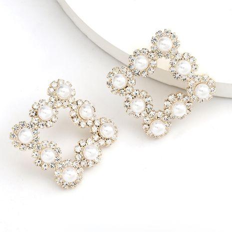 Mode géométrie carrée creuse boucles d'oreilles diamant et fleur de perle en gros nihaojewelry NHJE235039's discount tags