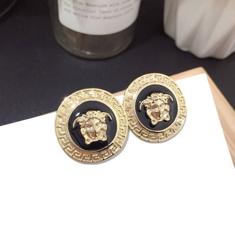 Korean Baroque style catwalk gold-plated head earrings silver needle earrings wholesale nihaojewelry NHFT235319's discount tags