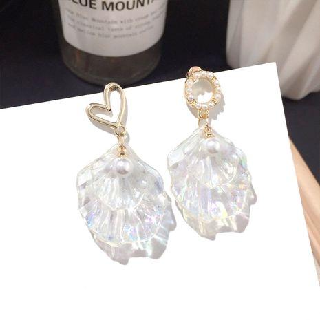 Nuevos pendientes de amor de concha de acrílico coreanos pendientes de aguja de plata de moda al por mayor nihaojewelry NHFT235328's discount tags