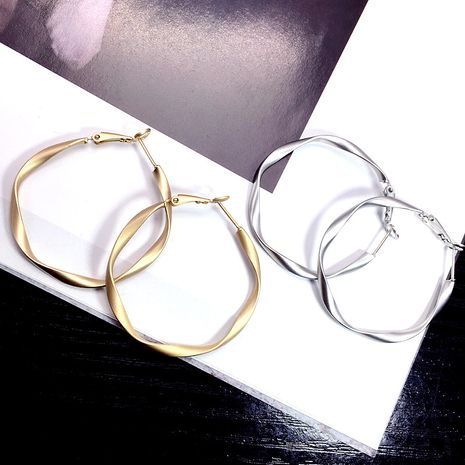 Simple big ring earrings popular exaggerated hiphop retro jewelry geometric earrings wholesale nihaojewelry NHFT235374's discount tags