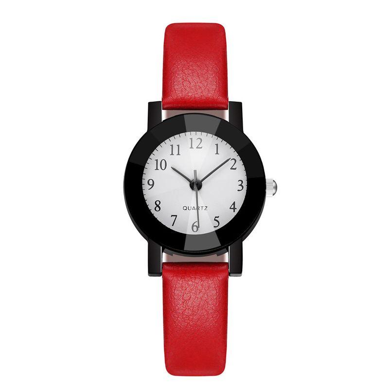 Korean trendy of wrist watches black shell ladies quartz watch wholesale nihaojewelry  NHSS235477