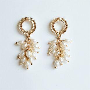 Boucles d'oreilles de mode coréenne fleurs de blé perlé boucles d'oreilles rétro en gros en gros nihaojewelry NHVA230810's discount tags