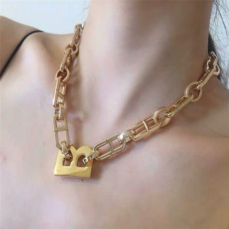 lettre collier chaîne épaisse style hip hop or large chaîne chaîne de clavicule tour de cou chaîne en gros nihaojewelry NHYQ230836's discount tags