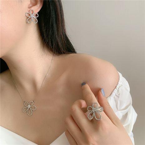 full diamond five petal flower necklace choker simple ring earrings wholesale nihaojewelry NHYQ230856's discount tags