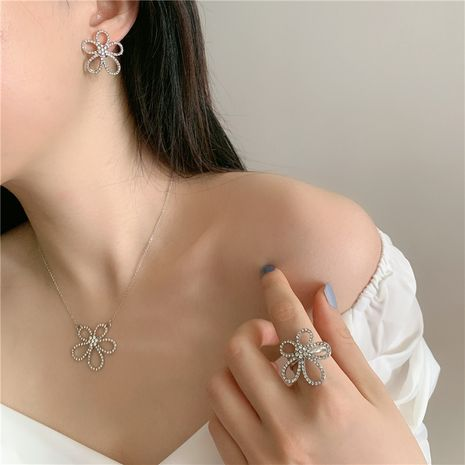 full diamond five petal flower necklace choker simple ring earrings wholesale nihaojewelry NHYQ230856's discount tags