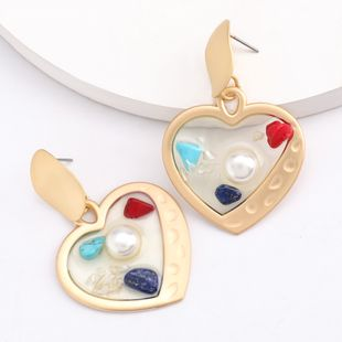 hot sale love heart-shaped alloy resin inlaid pearl  retro earrings nwholesale nihaojewelry NHJE230894's discount tags
