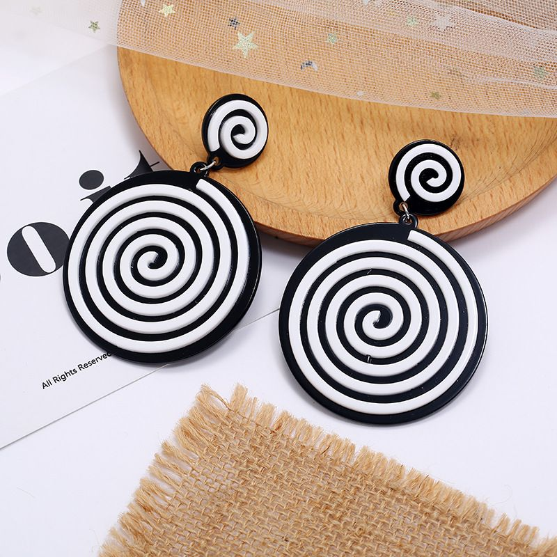 fashion exaggerated new acrylic black and white hit color round earrings fashion creative geometric earrings wholesale nihaojewelry NHKQ236154