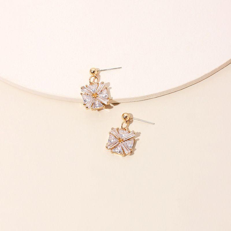 new trendy earrings Korean earrings crystal commuter earrings wholesale nihaojewelry NHRN236221