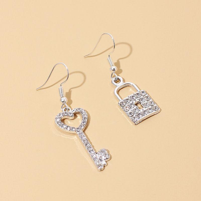 fashion diamond-studded key lock pendant earrings simple bright rhinestone asymmetric ear hooks wholesale nihaojewelry NHRN236248