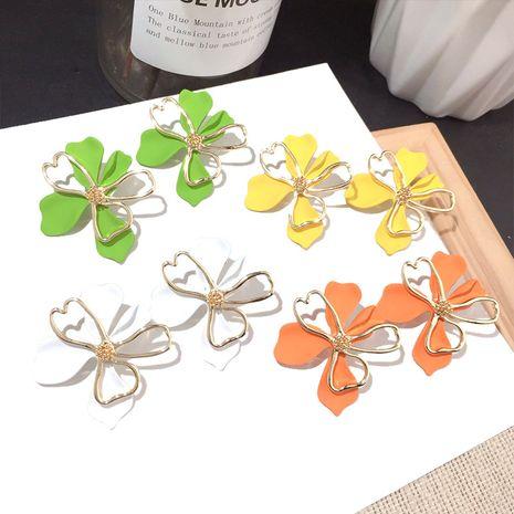 Fashion women's flower earrings silver needle earring alloy earrings wholesale nihaojewelry NHFT236547's discount tags