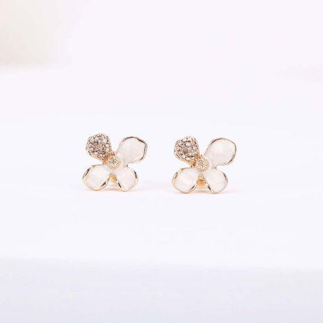 Mode nouvelle tendance coréenne s925 aiguille en argent dégoulinant en alliage fleur diamant boucles d'oreilles femmes nihaojewelry en gros NHQS236836's discount tags