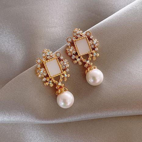 Boucles d'oreilles coréennes de mode poire pour les femmes rétro 925 boucles d'oreilles en argent aiguille pour femmes nihaojewelry NHXI236860's discount tags
