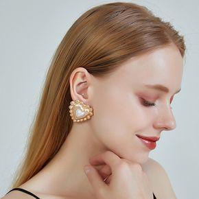 Fashion new ear jewelry alloy heart-shaped earrings s925 silver needle earrings pearl love earrings for women nihaojewelry NHOA237157