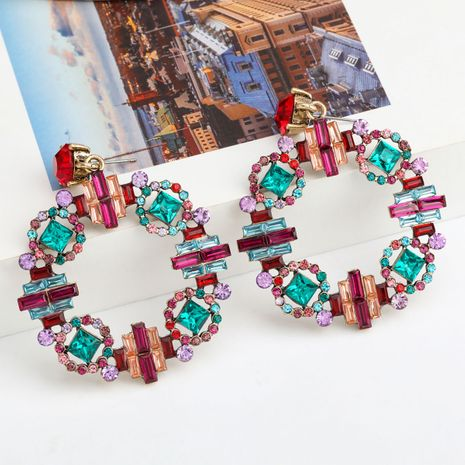 Série de couleurs de mode créatif en alliage rond diamant strass boucles d'oreilles géométriques style de palais rétro en gros nihaojewelry NHJE237188's discount tags