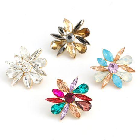 Mode couleur diamant série simple alliage diamant strass boucles d'oreilles fleur en gros nihaojewelry NHJE237190's discount tags
