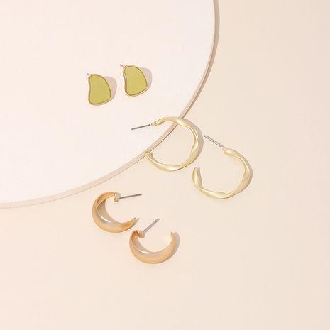 Boucles d'oreilles géométriques en forme de C en or givré à chaud nouvelles boucles d'oreilles goutte à goutte tordues et irrégulières en gros nihaojewelry NHRN237207's discount tags