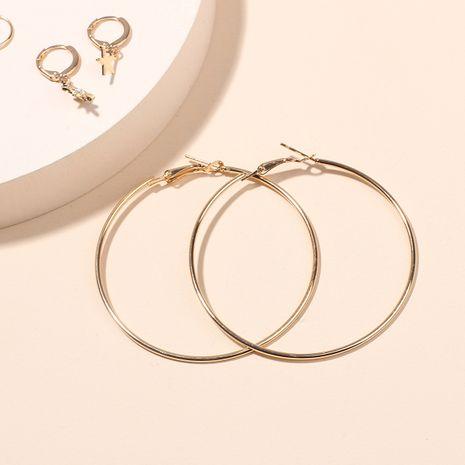 Accessoires d'oreille simples de mode Boucles d'oreilles rondes dorées pour femmes Ensemble de boucles d'oreilles étoile cercle géométrique Nihaojewelry NHRN237243's discount tags