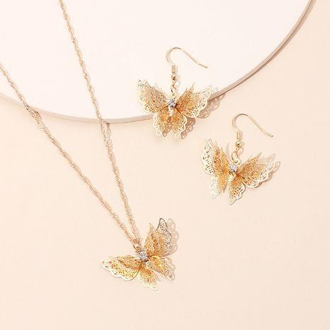 Mode chaîne de la clavicule dorée exquise boucles d'oreilles papillon en trois dimensions collier en acier au titane ensemble en gros nihaojewelry NHRN237251's discount tags