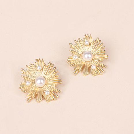 Boucles d'oreilles à fleurs baroques design sens rétro mode boucles d'oreilles irrégulières en gros nihaojewelry NHRN237256's discount tags