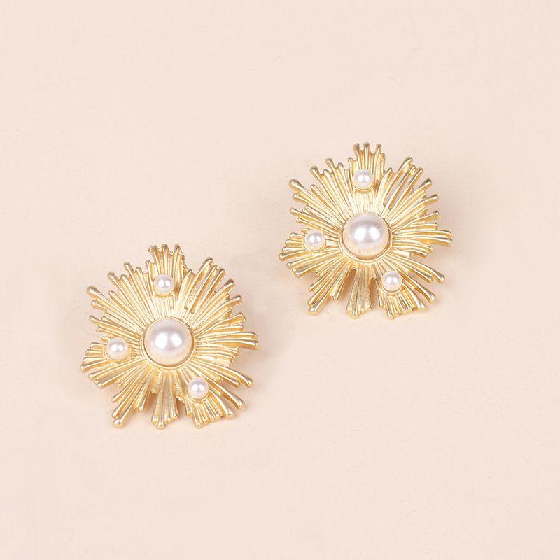 Baroque blooming flower earrings design sense retro fashion irregular earrings wholesale nihaojewelry NHRN237256
