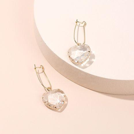Boucles d'oreilles en diamant en verre transparent à la mode coréenne à la mode amour niche en forme de coeur boucles d'oreilles douces en gros nihaojewelry NHRN237265's discount tags
