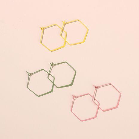 Pendientes huecos hexagonales geométricos minimalistas exagerados de Corea pendientes de niña de moda al por mayor nihaojewelry NHRN237285's discount tags