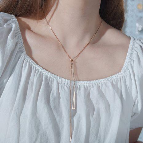 Tendance de la mode colliers niche simple triangle géométrique collier pendentif en acier inoxydable colliers pour femmes nihaojewelry NHHF237038's discount tags