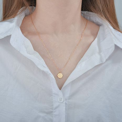 Collier de femme de pièce d'oeil d'ange de mode Simple rétro chaîne de clavicule collier en acier inoxydable pendentif rond nihaojewelry NHHF237022's discount tags