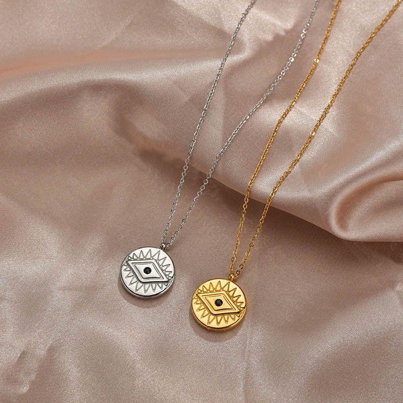 Fashion new hot sale niche retro devil's eye diamond necklace clavicle chain for women nihaojewelry NHHF237019