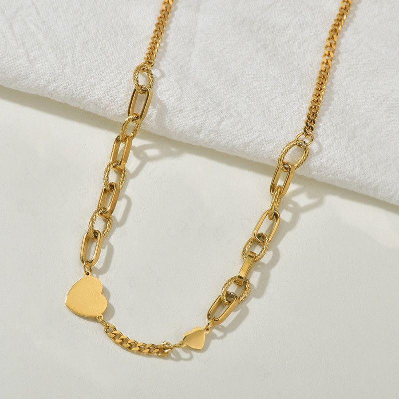 Core nouveau collier de mode d39amour en acier au titane pour les femmes collier de chane de clavicule en forme de coeur rtro simple en gros nihaojewelry NHHF237007