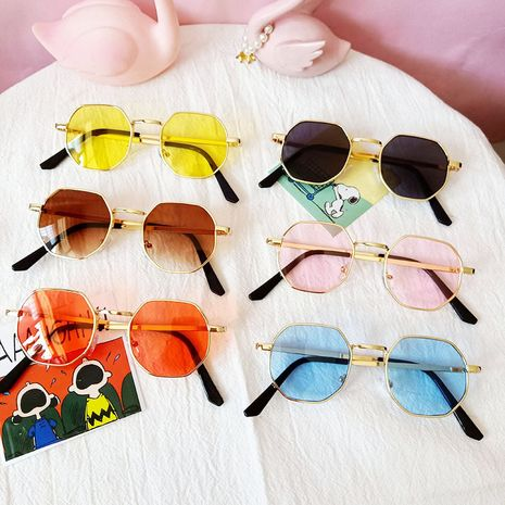 Metal retro children polygonal anti-ultraviolet outing sunglasses wholesale nihaojewelry NHBA237703's discount tags