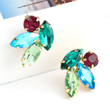 Boucles d'oreilles de fleurs en strass en alliage simple de série de diamants de couleur de mode en gros nihaojewelry NHJE238137's discount tags