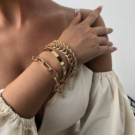 Fashion new women's bracelet alloy thick bracelet fashion gold bracelet nihaojewelry NHMD238182's discount tags
