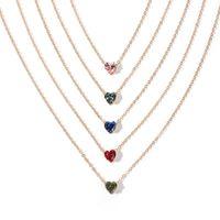 Nuevos productos cadena de aleación simple collar de cristal color moda en forma de corazón circón clavícula cadena al por mayor nihaojewelry NHRN238354