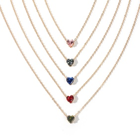 new products simple alloy chain crystal necklace color fashion heart-shaped zircon clavicle chain wholesale nihaojewelry NHRN238354