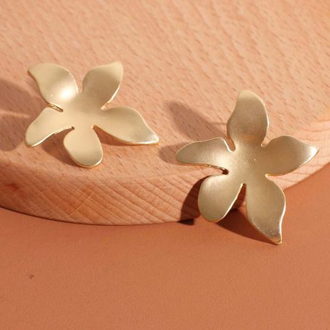 Fashion hot sale  simple  golden flower  retro earrings  nihaojewelry NHRN238373's discount tags