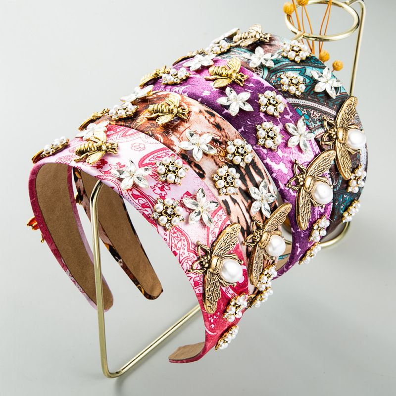 Style baroque rtro perle strass bandeau alliage abeille fleurs accessoires de cheveux larges en gros nihaojewelry NHLN238393
