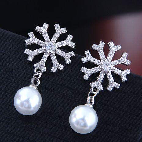 Boucles d'oreilles en perles de flocon de neige en zircon micro-incrusté de mode coréenne exquise boucles d'oreilles en cuivre en gros nihaojewelry NHSC238422's discount tags